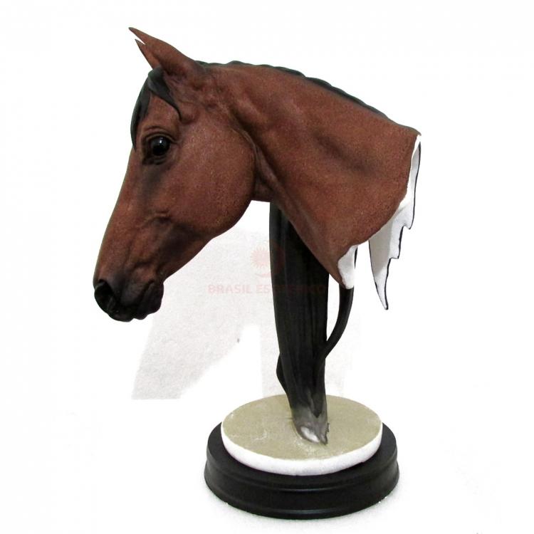 https://cdn.brasilesoterico.com/imagens_produtos/gd_2155-3-180706070710000000-cabeca-de-cavalo-em-resina-35cm.jpg