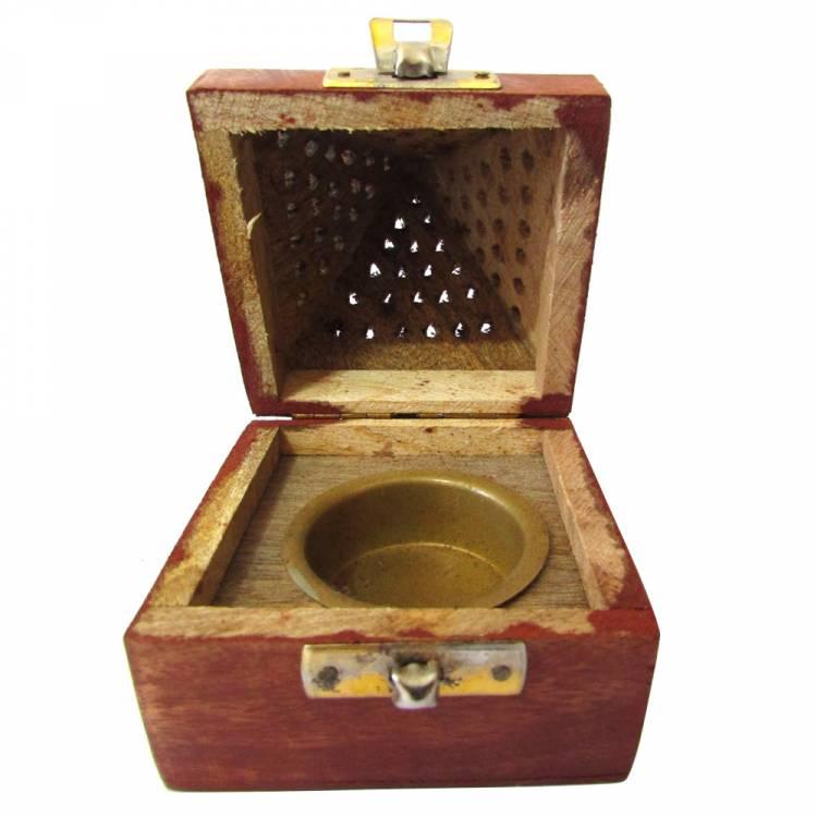 https://cdn.brasilesoterico.com/imagens_produtos/gd_8639-2-210701080756000000-turibulo-de-mesa-em-madeira-12cm.jpg
