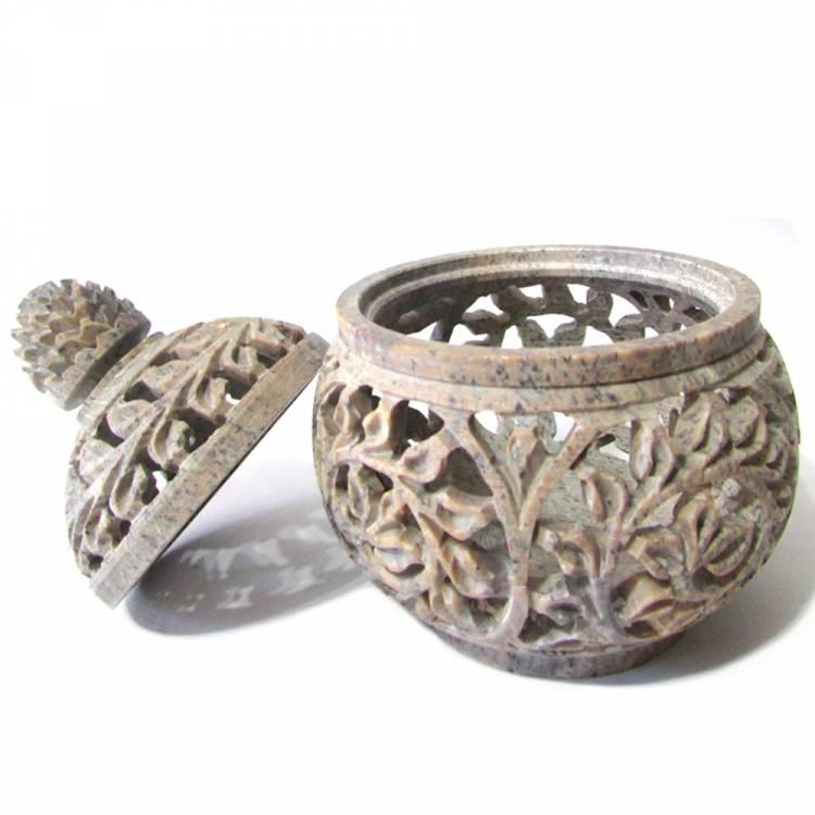 https://cdn.brasilesoterico.com/imagens_produtos/gd_8667-2-210705160723000000-porta-joias-redondo-em-pedra-sabao-11cm.jpg