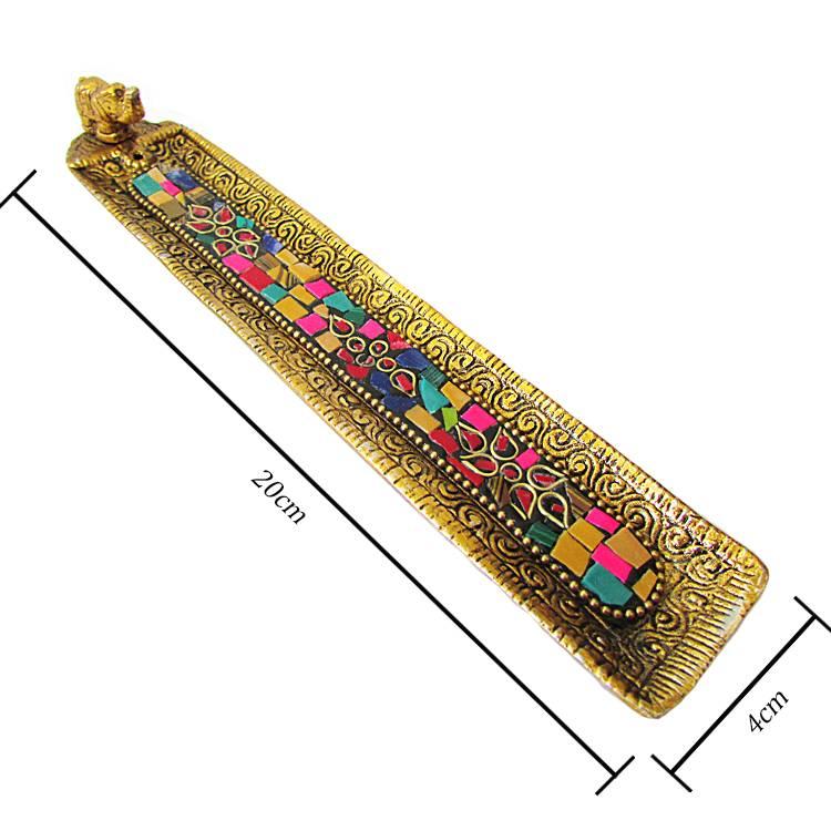 https://cdn.brasilesoterico.com/imagens_produtos/gd_8885-1-210819090842000000-incensario-indiano-regua-em-metal-dourado-20cm---modelos-sortidos.jpg