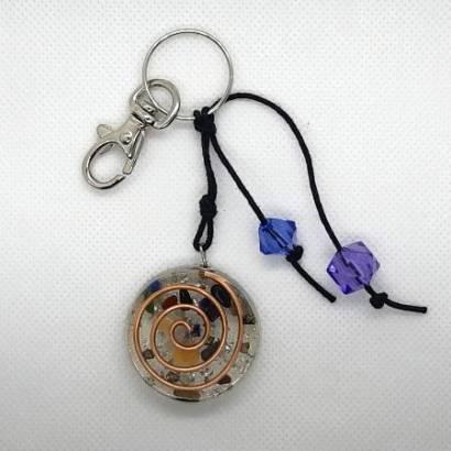 https://cdn.brasilesoterico.com/imagens_produtos/md_3281-0-210428080435000000-chaveiro-orgonite-3-5-cm---cores-sortidas.jpg