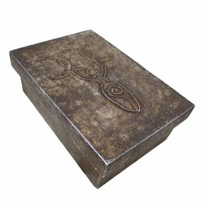 https://cdn.brasilesoterico.com/imagens_produtos/md_7787-0-210112130135000000-estojo-para-taro-deusa-triplice-em-madeira-16-cm.jpg